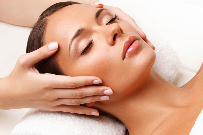 Benefits of Facial Massage for a Youthful Complexion
