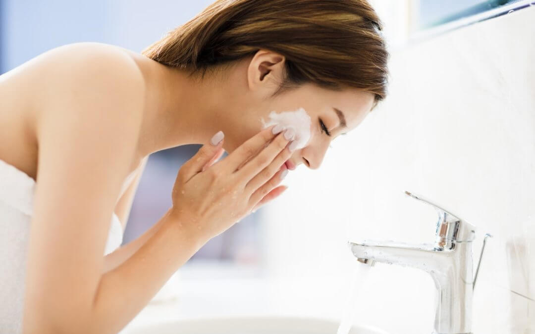Are Cleansers and Face Washes Different?